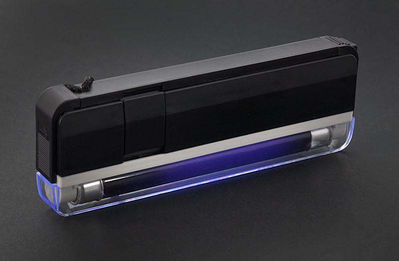 Лампа Вуда портативная с фонариком DL-01 для исследования заболеваний кожи.