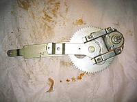 Стеклоподъемник двери левый  ГАЗ 3307