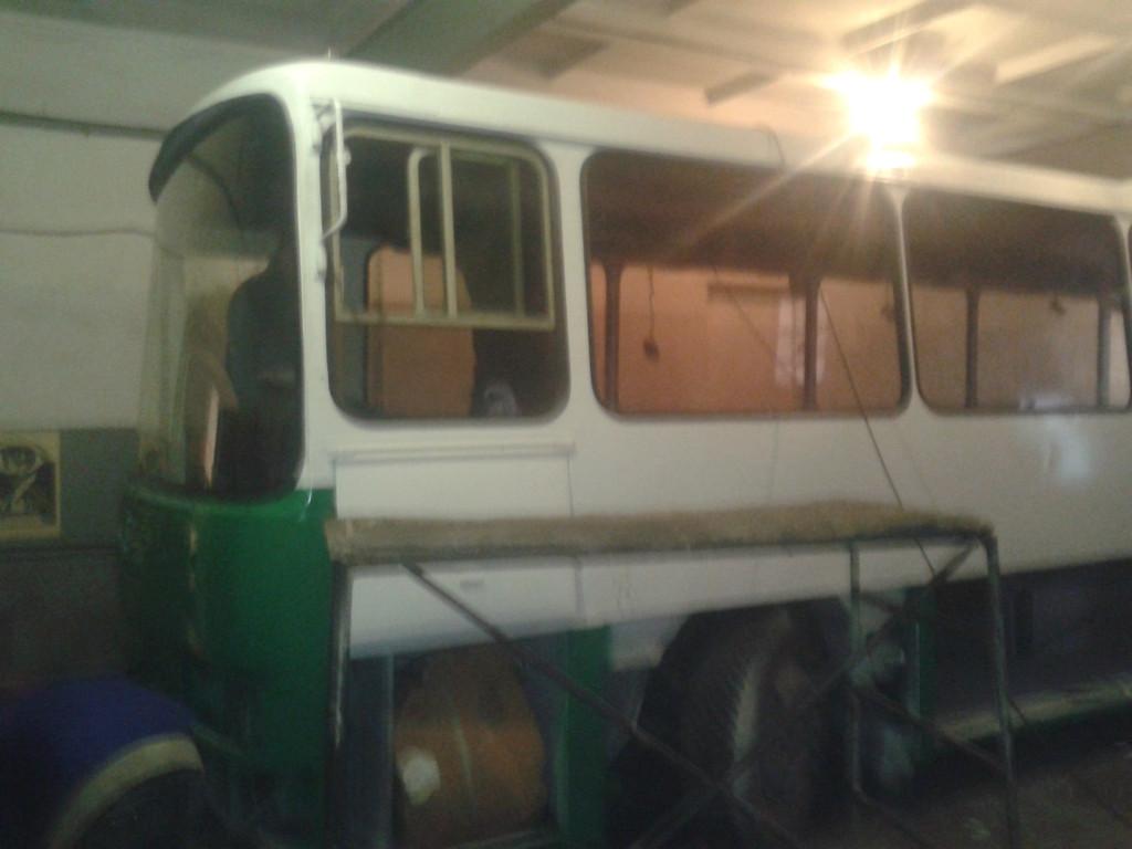Замена лобового стекла ЛАЗ 4207