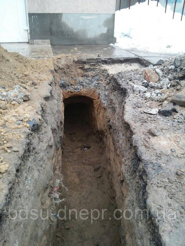 Демонтаж асфальта и выемка грунта из траншеи