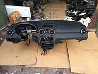 Торпедо (панель) AUDI A1