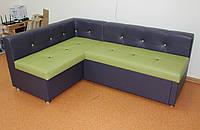 Сине-зеленый уголок кухонный со спальным местом и нишей.