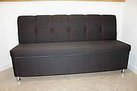 Мягкий кухонный диван-лавочка с нишей для хранения.