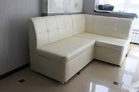 Кухонный мягкий уголок со спальным местом в белом кожзаме