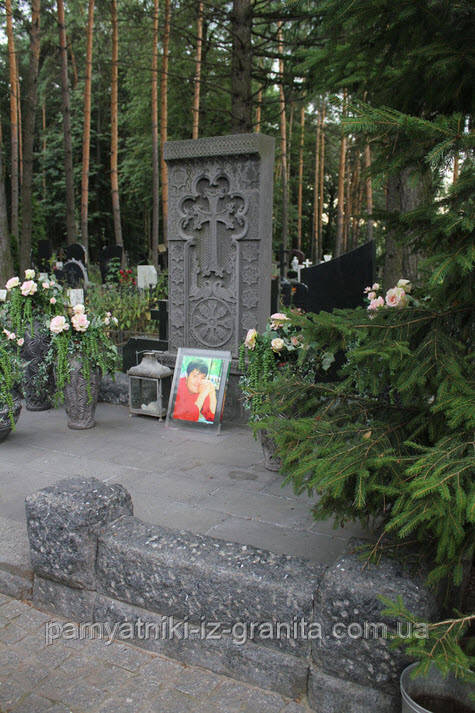Элитный памятник № 82