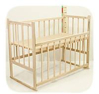 Детская кроватка из ольхи (БЕЗ ЛАКА) ровная  спинка,качалка и колеса,боковина ОПУСКАЕТСЯ
