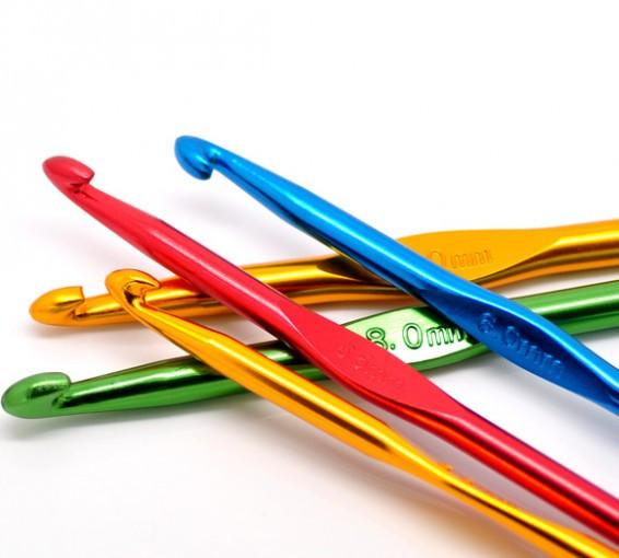 Крючок для вязания цветной 4,0 мм