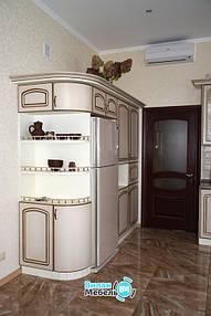 Кухня с барной стойкой: современное искусство зонирования 10