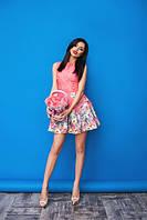 Женское платье короткое. Цвета белый и малиновый. Ткань - жаккард. Размеры 42-44,44-46. DP 68