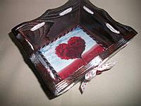 """Деревянная конфетница ручной работы бордового цвета в технике декупаж """"Любовь"""", фото 1"""