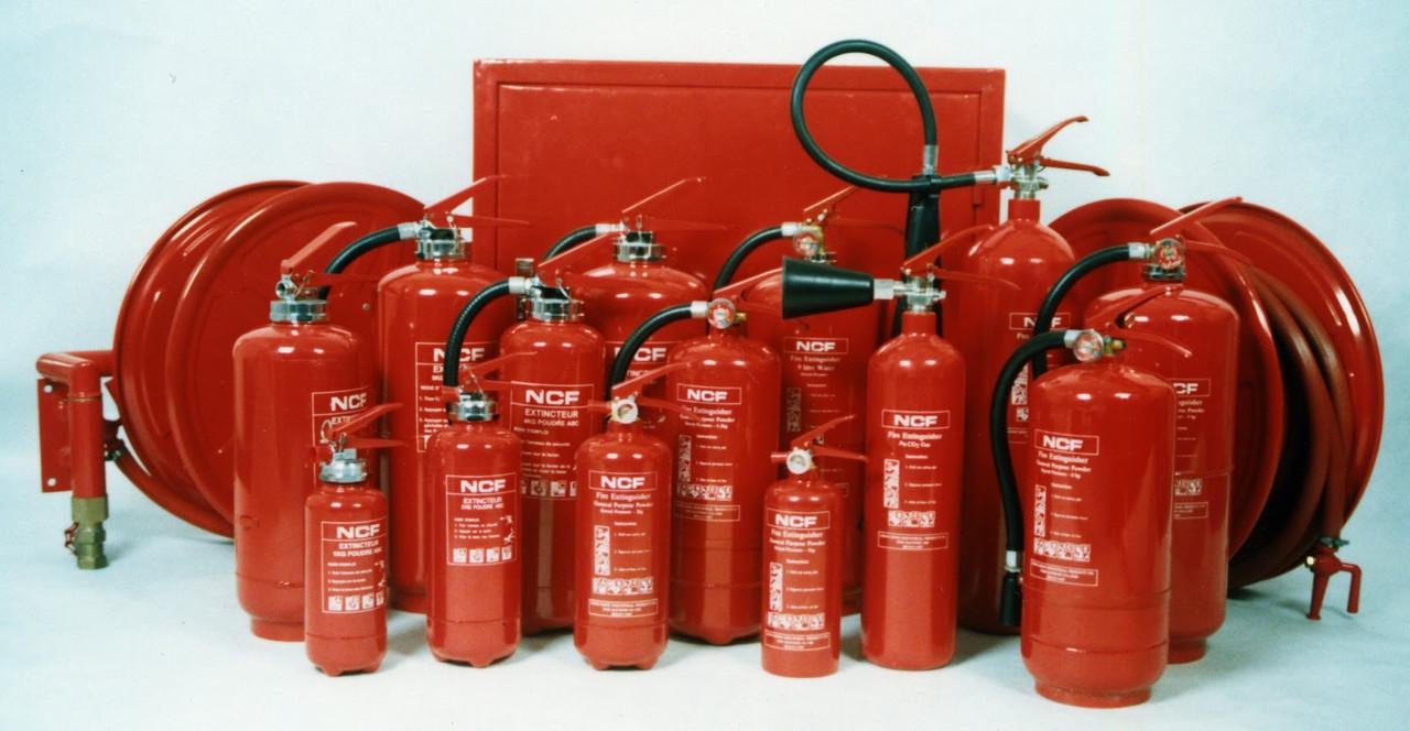 Технічне обслуговування первинних засобів пожежогасіння (водяні, водопінні, порошкові, газові вогнегасники)