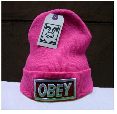 Стильная шапка ОВЕY розовая