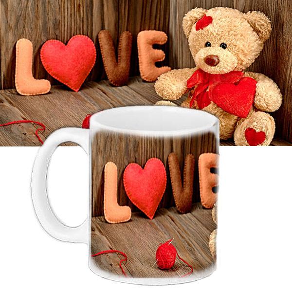 Милая чашка с принтом Любовь