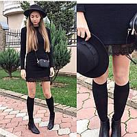 Стильное маленькое черное платье с кружевом по низу