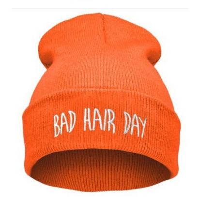 Шапка с модной надписью bad hair day