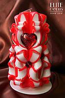 Велика романтична свічка. Прикрашена червоним серцем, відмінний вибір для романтичного вечора