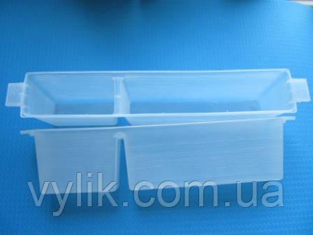 Кормушка внутриульевая боковая пластиковая 3кг