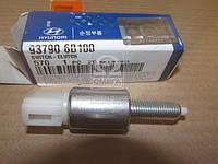 Концевой выключатель педали сцепления HD35 / HD75 (производство Hyundai-KIA ), код запчасти: 937906B100