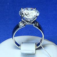Серебряное кольцо с цирконием кубическим 101840род юм