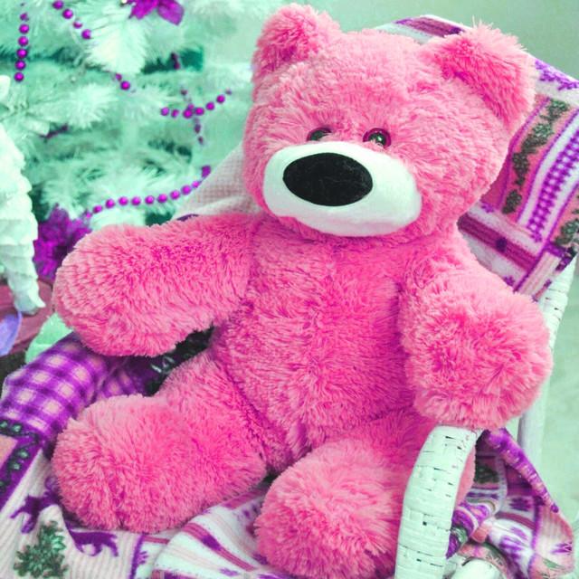 Плюшевый мишка ярко-розовый