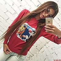 Красный свитер с рисунком