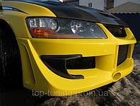 Бампер передний на Mitsubishi Lancer EVO 9