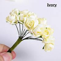 Белые бумажные цветы для скрапбукинга и декора 1,5 см 24 шт, фото 1