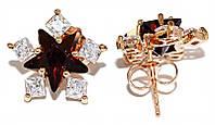 Серьги - гвоздики ХР, цвет: позолота.Камень:белый и бордовый циркон .Диаметр серьги 1,5 см.