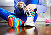 С чем носить цветные женские носки?