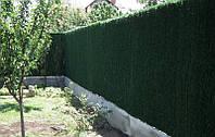 Зеленая изгородь с основой из сетки рабица с ПВХ-покрытием