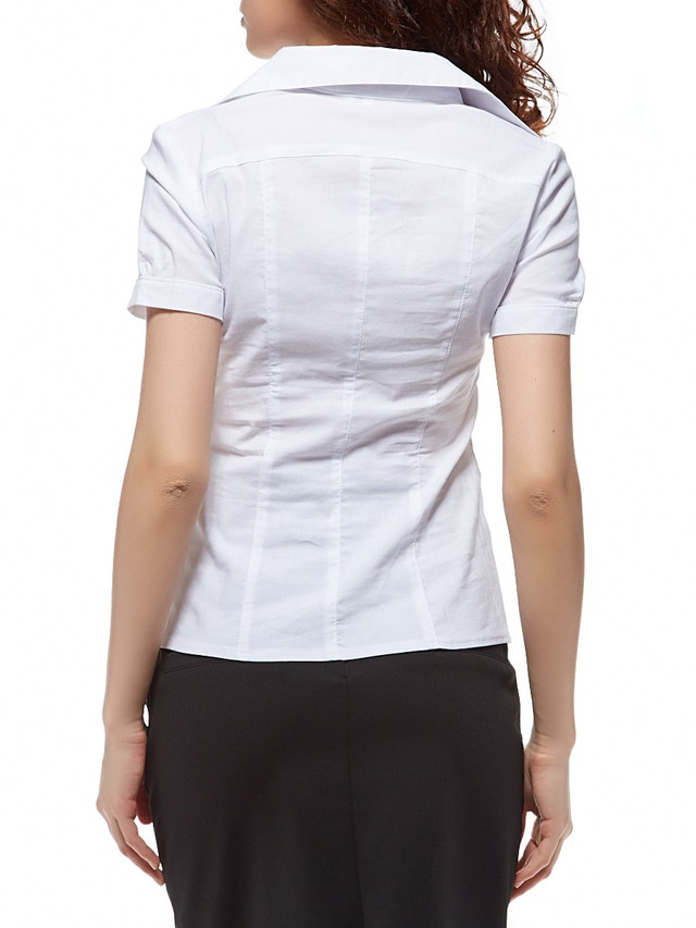 Белая рубашка с коротким рукавом  кокеткой и имитацией пояса Р78