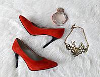 Туфли-лодочки из красной замши