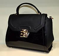 """Классическая женская сумка через плечо """"Wallaby"""" черная лаковая"""