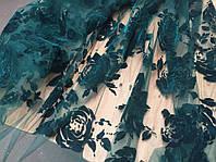 Ткань Гипюр  на сетке  розы изумруд ные  с бархатным напылением  ,  гипюр АРТ ТЕКСТИЛЬ