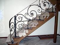 Лестница 1 с кованными перилами