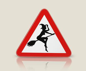 Оригинальная наклейка на женскую машинку Ведьма