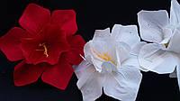 Головки белых бархатных цветов (упаковка-70 шт, разные цвета, d-15 см)
