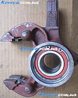Кулак поворотный 1102 Таврия с подшипником правый
