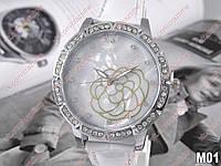 Женские кварцевые наручные часы С Цветком M01