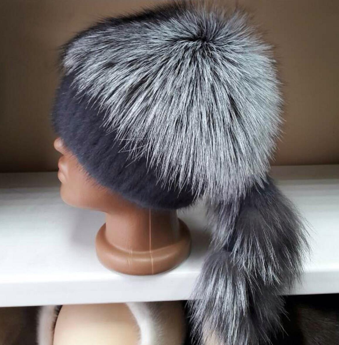 Меховая шапка из норки и чернобурки на вязанной основе