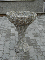 Вазон Глория-3 для улицы по технологии мытый бетон