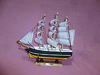 Корабль деревянный трехмачтовый сувенир статуэтка 20х18,5 сантиметров
