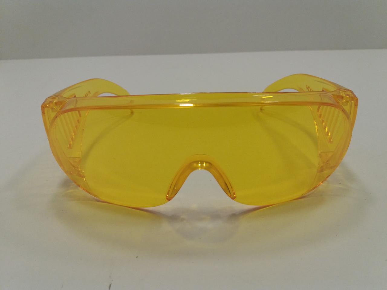 Очки защитные жёлтые (пластик)