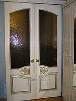 Элитные деревянные двери с матированным стеклом
