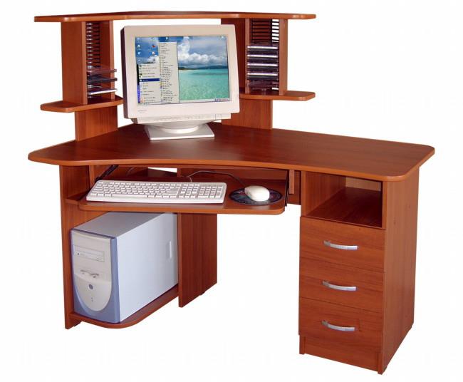 Изготовление компьютерных столов из натурального дерева