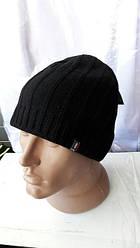 Классическая вязаная мужская шапка черного цвета
