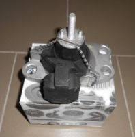 Подушка двигателя задняя Kangoo 1.5, 1.9DCI до 2008 г. STC.  T404158/8200253037