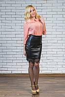 Модная юбка с эко-кожи черная