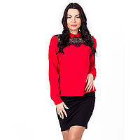 Женская молодежная  рубашка с кружевом красная