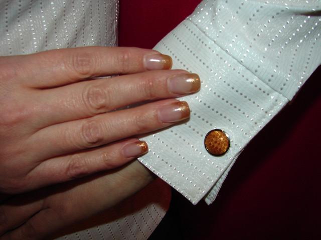 Белая женская рубашка под запонки